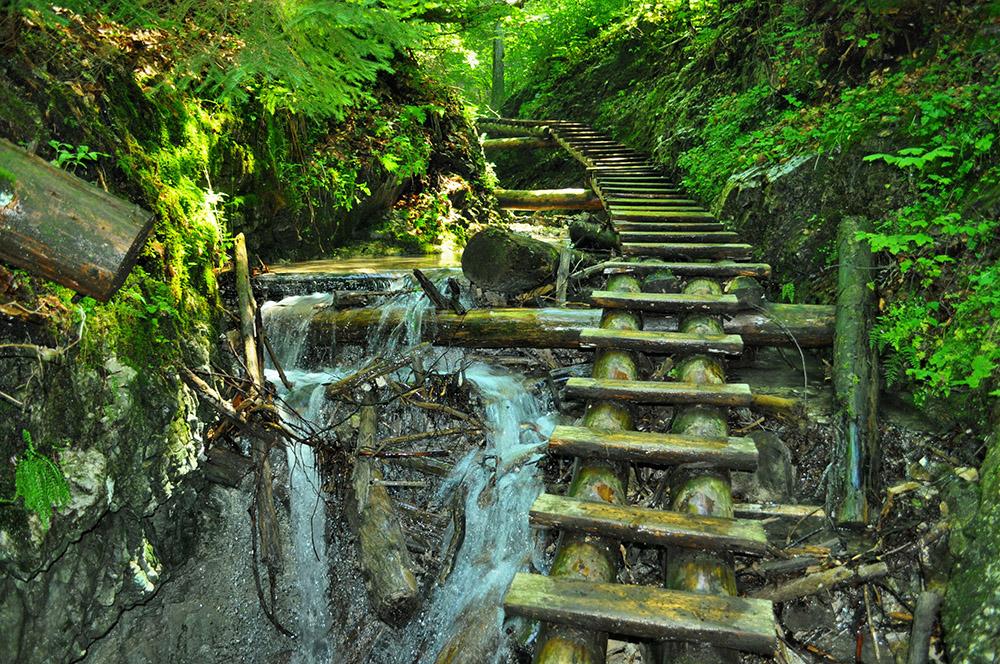 nice path through slovak paradise
